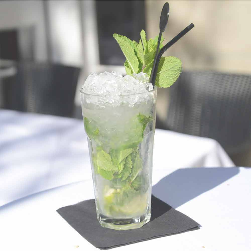 Oatlands Park Hotel Mojito cocktail