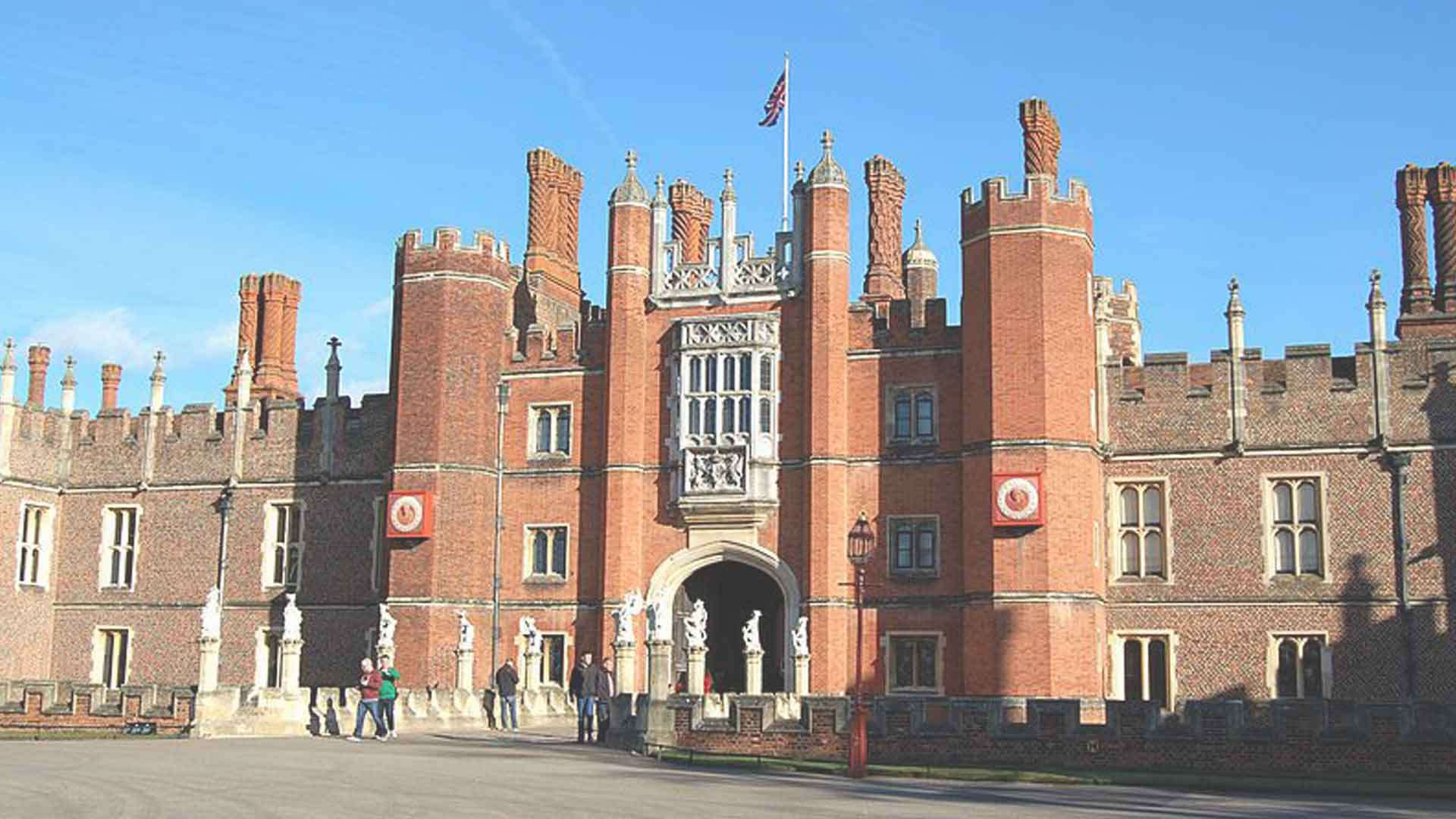 Local attractions Hampton Court Palace