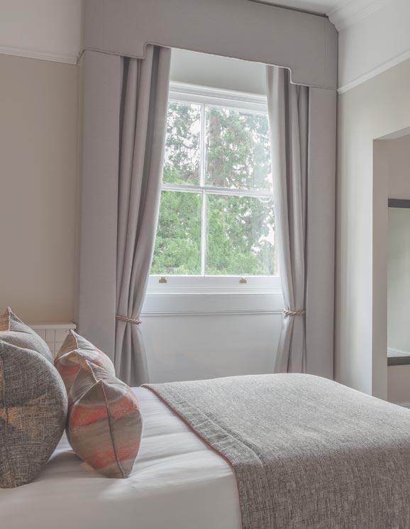 Oatlands park hotel deluxe room