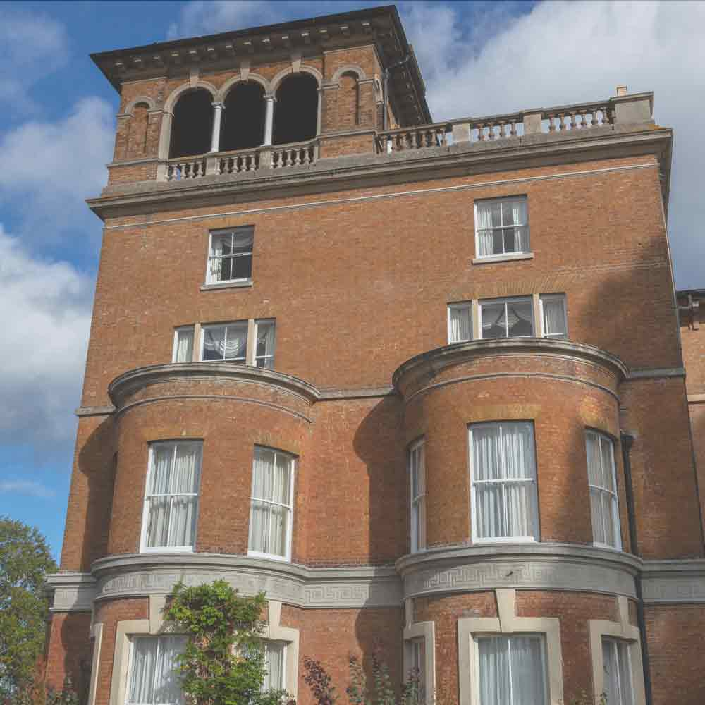 Historical hotel Surrey