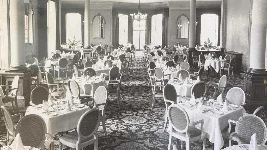 Oatlands Park Hotel restaurant
